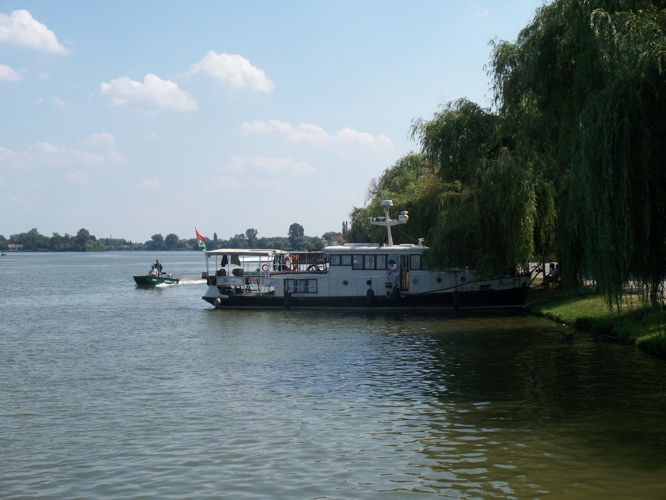 http://www.kisdunainagyhajok.hu/egyebhajok/2012_06_24_maritime_motoros_vonatohajo_a_rackevei_piacnal/2012_06_24_maritime_motoros_vonatohajo_a_rackevei_piacnal_013.jpg