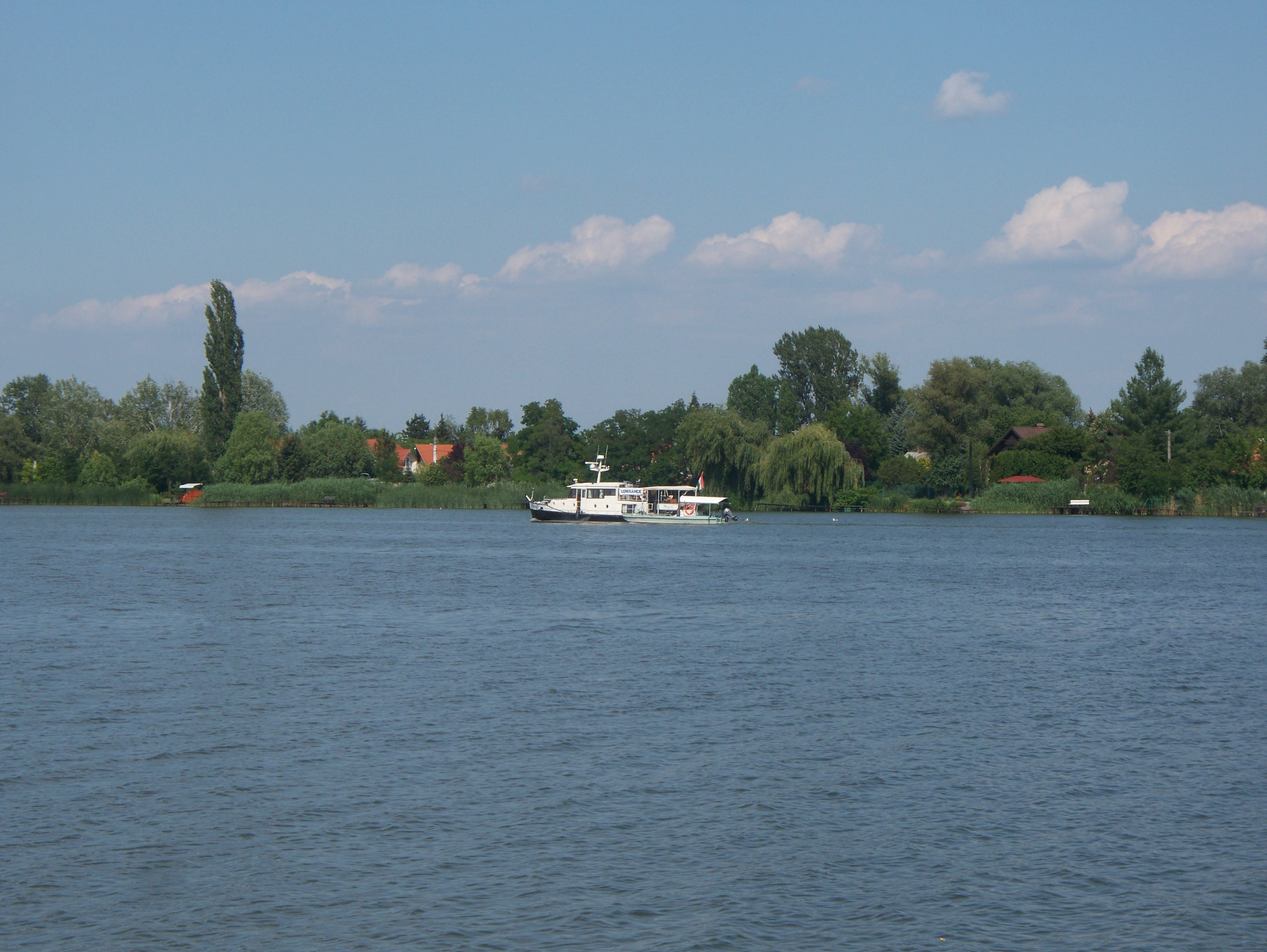 http://www.kisdunainagyhajok.hu/egyebhajok/2012_06_24_maritime_motoros_vontatohajo_a_rackevei_malom-obolnel/2012_06_24_maritime_motoros_vontatohajo_a_rackevei_malom-obolnel_009.jpg