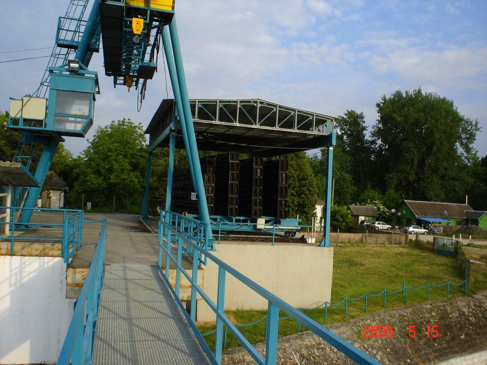 http://www.kisdunainagyhajok.hu/kis-dunai_zsilipek/tassi-zsilip/tassi-zsilip_037.jpg